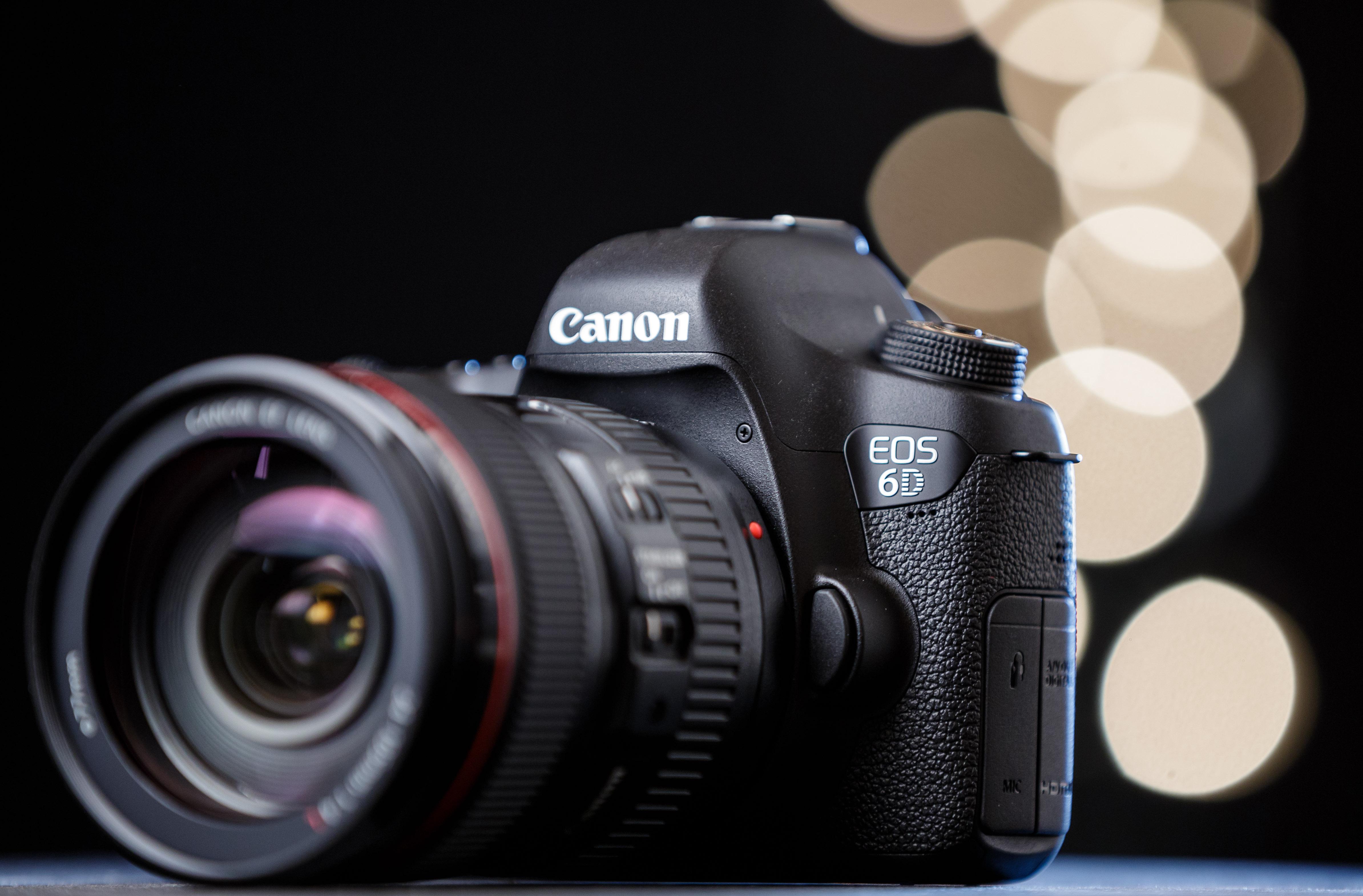 Canon_EOS_6D_digital_SLR_camera