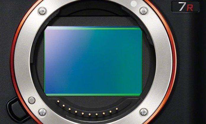 Sony-A7R-Full-Frame-36MP-Sensor-Same-as-Nikon-D800-D800E