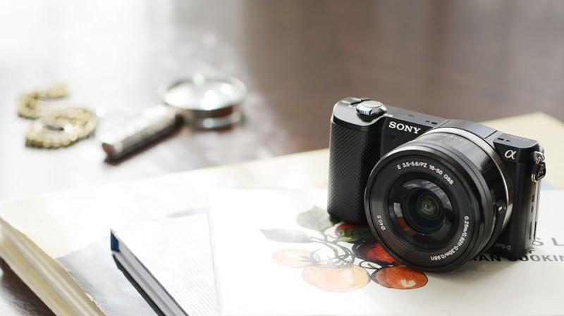 Sony A5000 İncelemesi ve Teknik Özellikleri